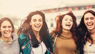 Cuatro chicas con pelo largo en la página de Sedal